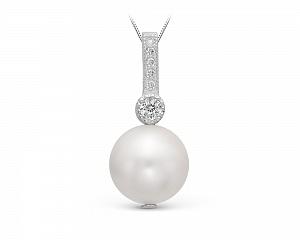 Кулон из серебра с белой круглой речной жемчужиной. Жемчужина 10-11 мм