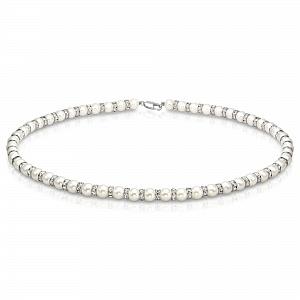 Ожерелье из белого круглого жемчуга со стразами. Жемчужины 8,5-9,5 мм