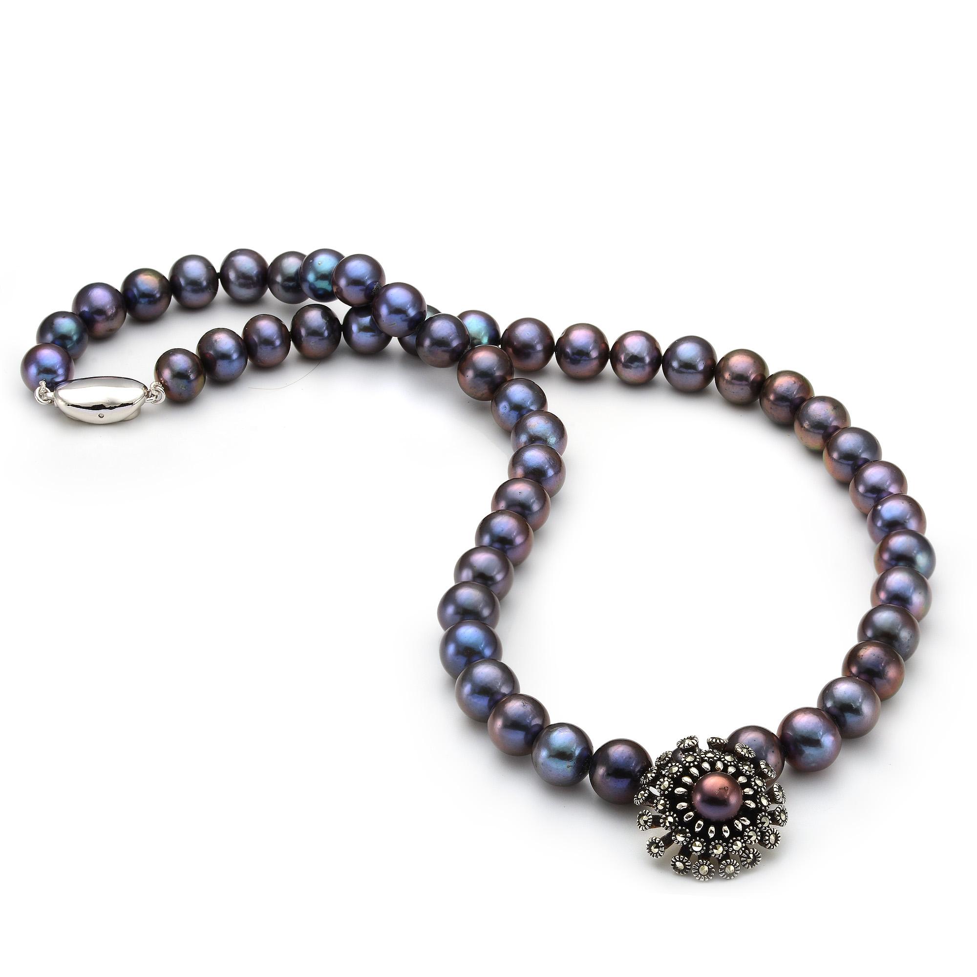 Ожерелье из черного речного жемчуга с подвеской из серебра