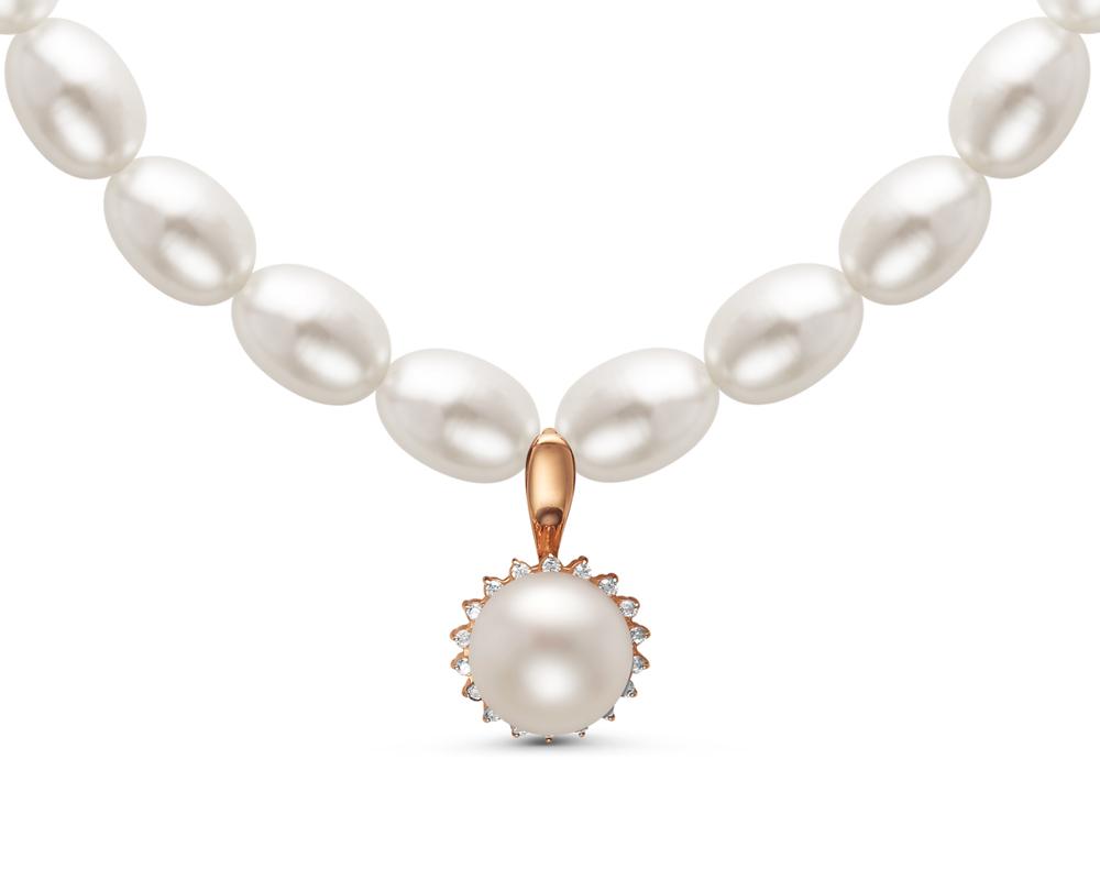 Ожерелье из белого рисообразного жемчуга с подвеской из серебра