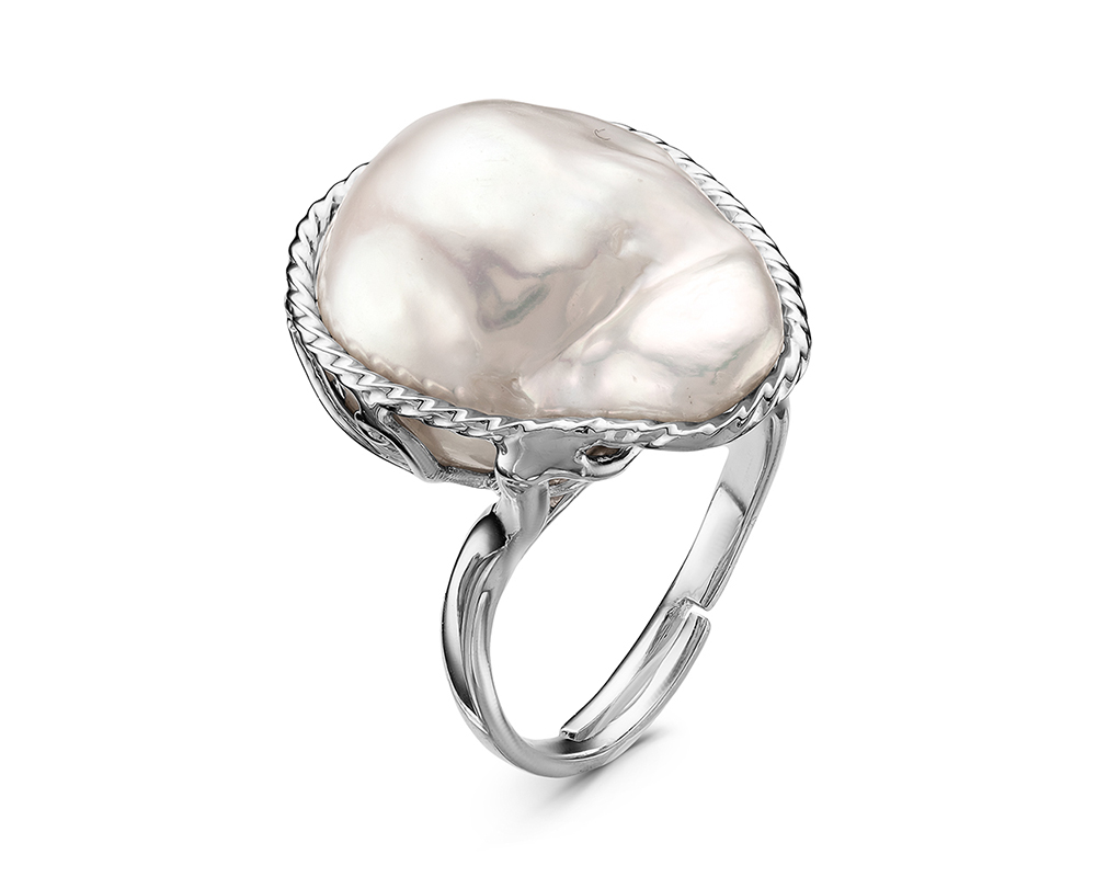 """Кольцо из серебра с белой речной жемчужиной """"Барокко"""" 18-22 мм"""