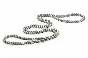 Длинные бусы из серебристого круглого речного жемчуга. Жемчужины 9-10 мм