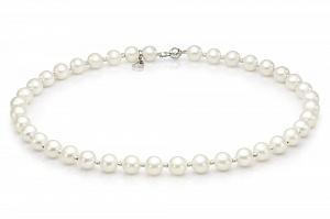 Ожерелье из белого жемчуга со вставками из серебра. Жемчужины 8,5-9,5 мм