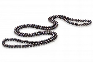 Длинные бусы из черного круглого речного жемчуга. Жемчужины 8-8,5 мм