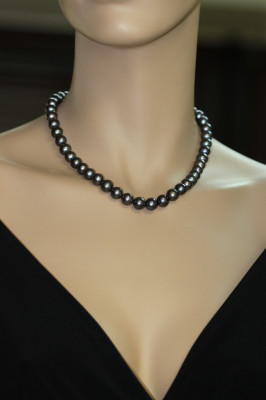 Ожерелье из черного морского жемчуга (Южный Китай). Жемчужины 10-11 мм