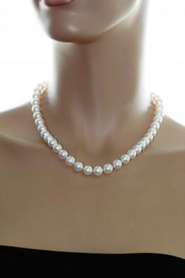 Ожерелье из белого круглого морского жемчуга Акойя (Япония). Жемчужины 9-9,5 мм
