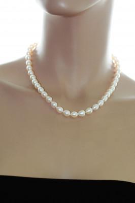 Ожерелье из белого рисообразного речного жемчуга. Жемчужины 7,5-8 мм
