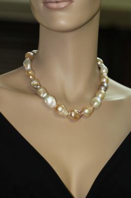 """Ожерелье """"микс"""" из барочного речного жемчуга. Жемчужины 16-20 мм"""